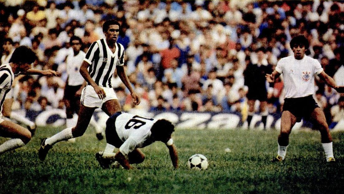 Santos e Corinthians disputaram a taça palmo a palmo.