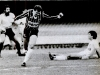 1987-06-07-santos-2-x-0-corinthians-paulista-edmar-comemora-gol-ao-fundo-rodolfo-rodriguez-e-nildo-no-chao-600