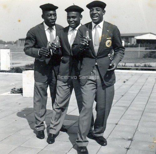 1959-pele-coutinho-e-dorval-com-coca-cola
