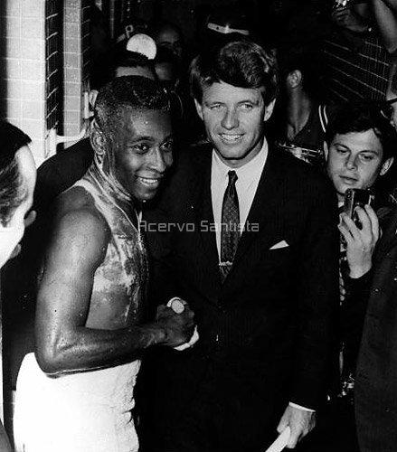 pele-07-1968-bob-kennedy