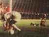1969-pele-pega-no-fundo-da-rede-a-bola-do-gol-1000-contra-o-vasco-600